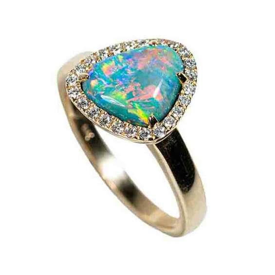 Alurring cosmo 14kt yellow gold & diamond australian opal ring